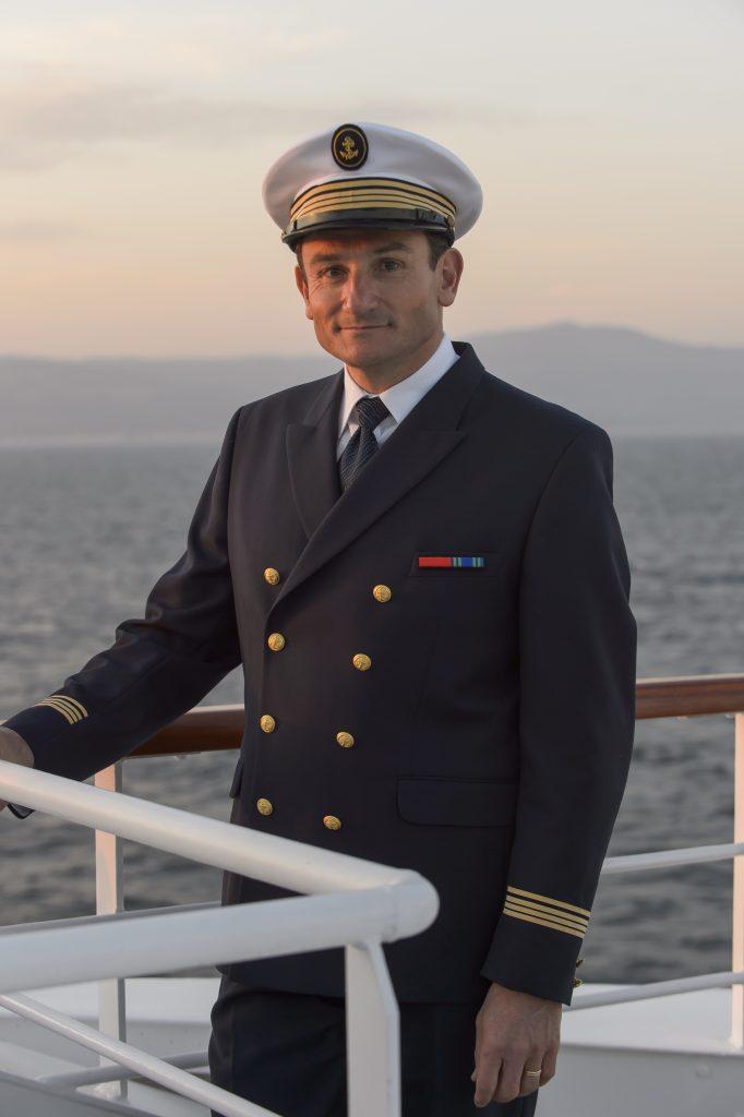 Kapitän Marchesseau von Ponant, Volksheld wegen der Befreiung aus Piratengewalt