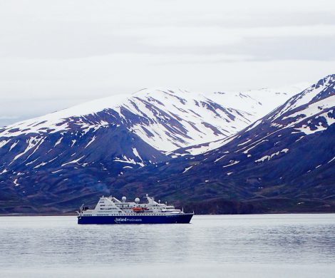 Die Ocean Diamond fährt rund um Island neun Häfen an