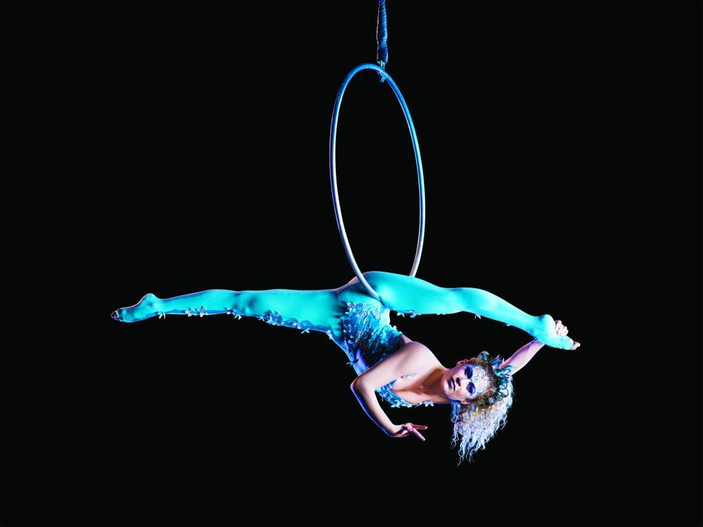 Der Cirque de Soleil tritt an Bord der MSC Bellissima auf
