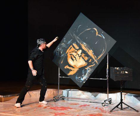 Peter Heylands ist einer der Künstler, die die AIDA-Schiffe zum Atelier machen
