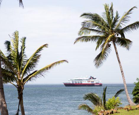 Auch Warmwasser-Expeditionen bietet Hurtigruten mit der MS Fram an