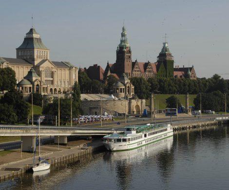 Die MS Mona Lisa von Croisi Europe vor Stettin