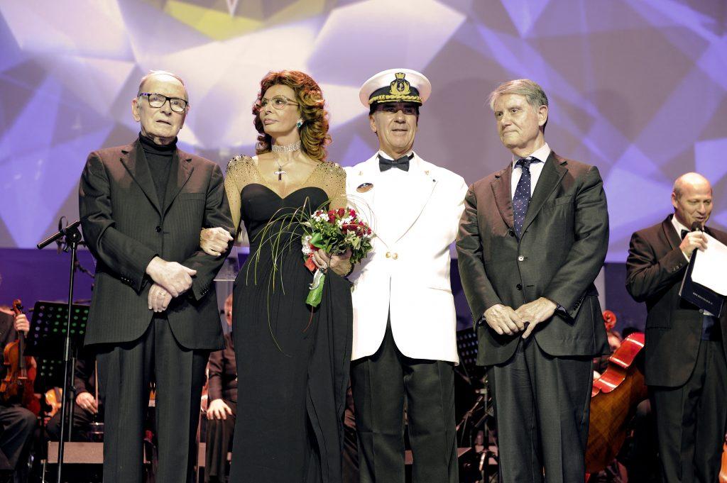 Weltstar Sofia Loren tauft alle Kreuzfahrtschiffe von Gianluigi Aponte wie hier die MSC Preziosa