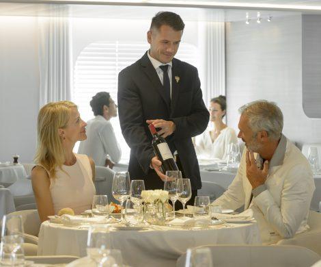 Vorträge, Weinproben und Besuche von berühmten Weingütern stehen auf dem Programm