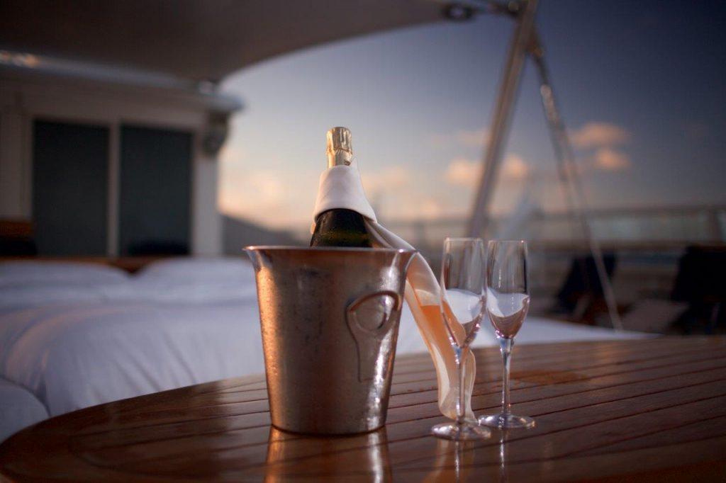 Exklusive Wein- und Champagnerreisen gibt es bei Sea Dream