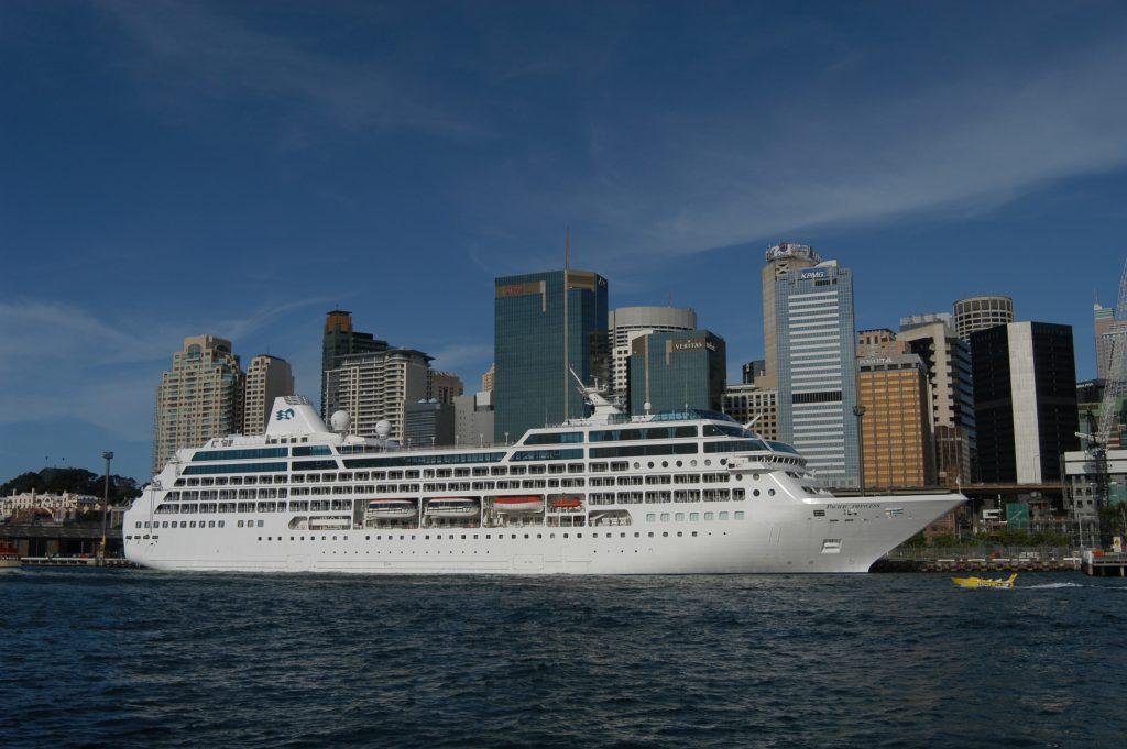Die Pacific Princess fährt von Kapstadt nach Florida