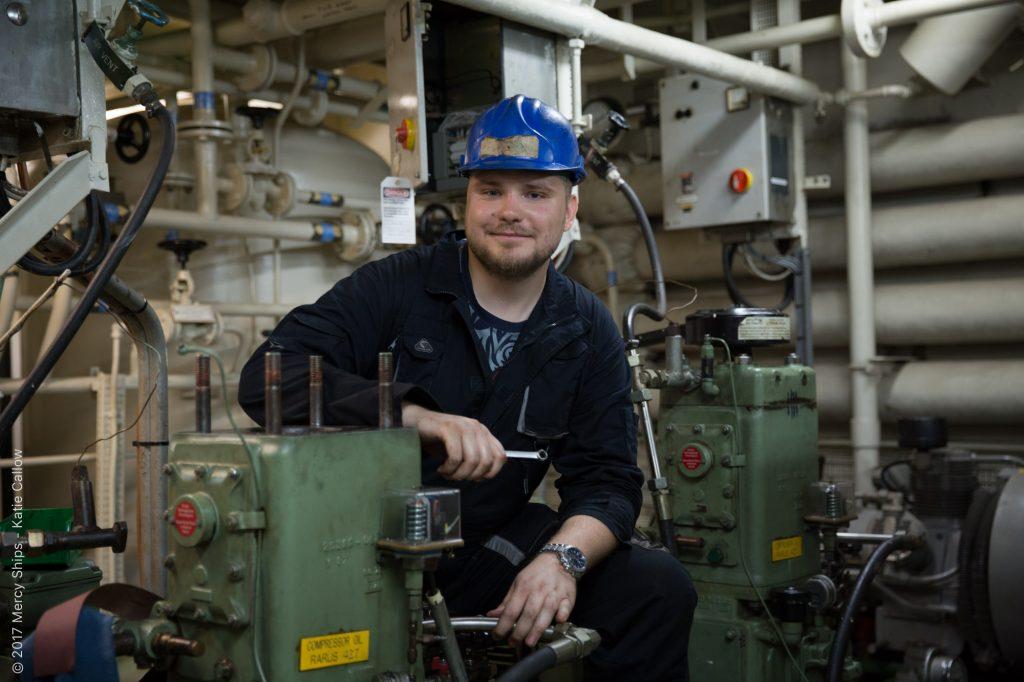 Ingenieur Tomislav Zubovic unterstützt die Crew von Mercy Ships in Westafrika
