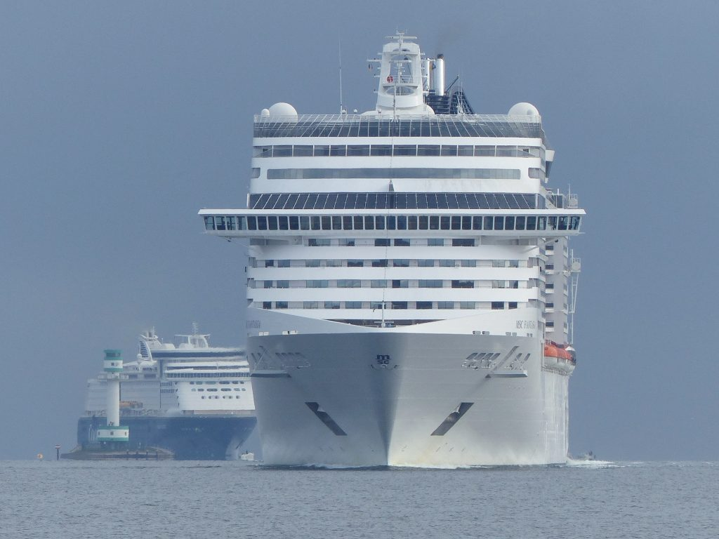 MSC Fantasia trifft in Kiel ein