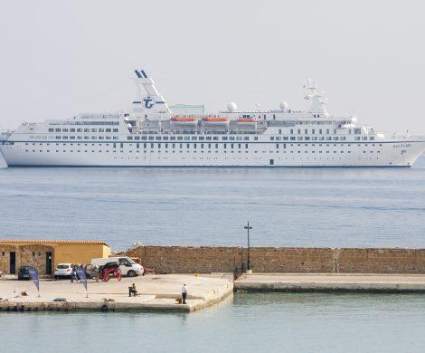 Das Angebot für 2018 reicht im neuen Transocean-Katalog von einer zweitägigen Schnupperkreuzfahrt über mehrtägige oder -wöchige Fahrten bis hin zur Weltumrundung mit der Columbus in 122 Tagen.