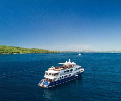 """Als Reaktion auf die wachsende Nachfrage nach nachhaltigen Kreuzfahrten baut Intrepid Travel sein noch junges Kreuzfahrtangebot aus und verdreifacht für 2018 die Anzahl der Schiffe für die sogenannten """"Adventure Cruises"""". Sechs Routen in Europa werden angeboten."""
