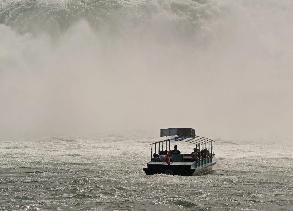 Ein Ausflugsboot mit Gästen von Royal Caribbean ist vor der Küste von Cozumel/Mexiko gesunken. Die Passagiere waren auf einem Tauchausflug unterwegs als zwei Meilen vor der Küste Wasser ins Boot eindrang.