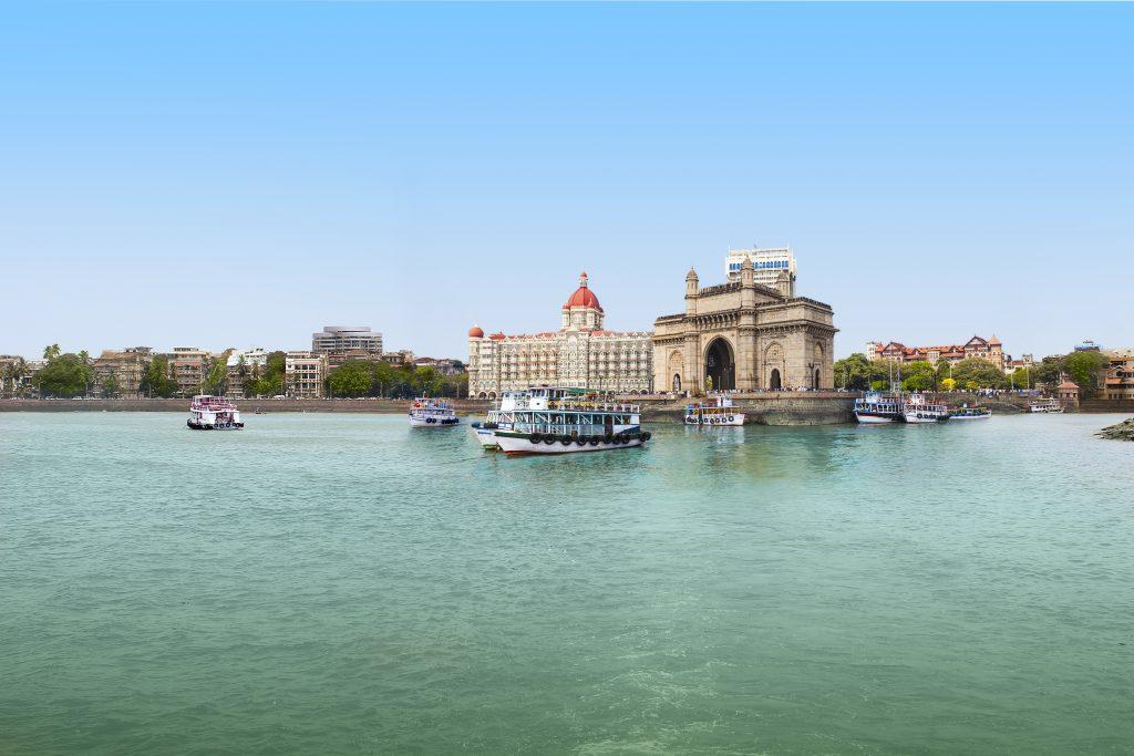 MSC Cruises erweitert das Kreuzfahrt-Angebot zur Wintersaison 2018/19 in Arabien ab Dubai. Neben der MSC Splendida wird die MSC Lirica als zweites MSC Schiff die Region bereisen. Mit neuen längeren Routen (11 und 14 Nächte) zu exotischen Zielen feiert die MSC Lirica ihre Premiere auf der arabischen Halbinsel.