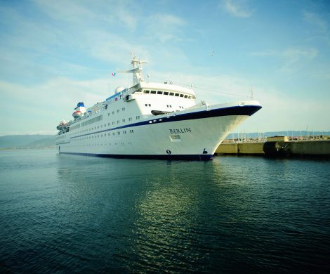 FTI Cruises schaut nach einem zweiten Schiff neben der MS Berlin, dank steigender Auslastung und gutgehendem Charter-Geschäft . Das neue Schiff sollte laut Geschäftsführer Alexander Gessl über mehr Kapazität als die 412 Passagiere fassende MS Berlin sowie über Kabinen mit Balkon verfügen