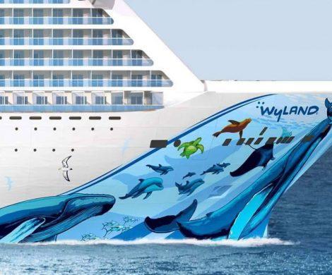Der amerikanische Künstler Robert Wyland gestaltet den Rumpf mit Darstellungen von Meerestieren