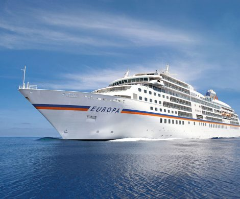 Das 20. Jahr der MS Europa wird im Jubiläumsjahr 2019 im Rahmen von 20 Reisen auf besondere Art gefeiert. Es warten einzigartige Ereignisse und Erlebnisse auf die Gäste. Auch nach 20 Jahren auf See läuft die MS Europa noch Premierenhäfen an