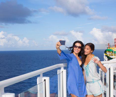Norwegian Cruise Line nimmt als erste große Reederei im deutschsprachigen Raum kostenfreies WLAN in sein Premium All Inclusive-Angebot auf. Ab sofort profitieren Gäste neben bereits im Reisepreis inbegriffenen Getränken und Trinkgeldern auch von 60 Minuten Gratis-Internet pro Person.