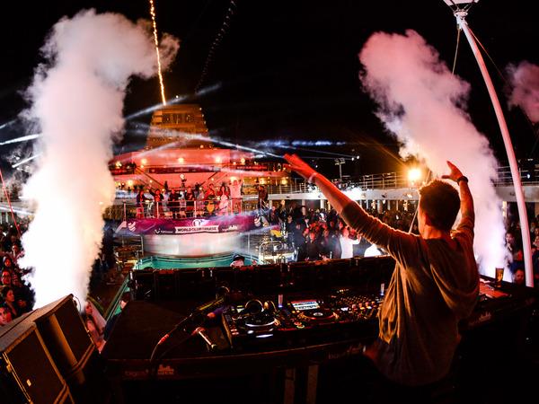 Vom 20. bis 24. April 2018 sticht der WORLD CLUB DOME ins Mittelmeer. Bei der zweiten World Club Cruise geht es ab Palma de Mallorca über Marseille und Barcelona wieder zurück in die mallorquinische Hauptstadt. Die Veranstalter TUI Cruises und BigCityBeats geben für diese Reise jetzt das FULL LINE UP bekannt.