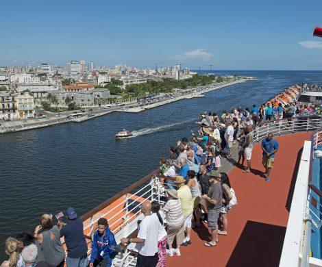 Carnival Cruise Line (www.carnivalcruiseline.de) wird im nächsten Jahr mit einem weiteren Schiff Kuba anlaufen. Zwischen Mai und Dezember 2019 startet die Carnival Sensation 17 Mal ab Miami zu verschiedenen sechstätigen Kreuzfahrten in Richtung Havanna.