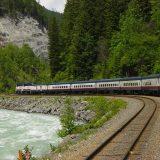 Der Rocky Mountaineer und Cunard fahren durch die schönsten Landschaften Kanadas