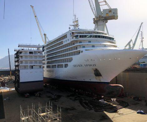 Die Silver Spirit ist als erstes Luxusschiff überhaupt um 15 Meter verlängert worden. Dazu wurde auf der italienischen Werft Fincantieri nach dem Auseinanderschneiden der Silver Spirit das neue, rund 15 Meter lange und über 800 Tonnen schwere Zwischenstück eingefügt.