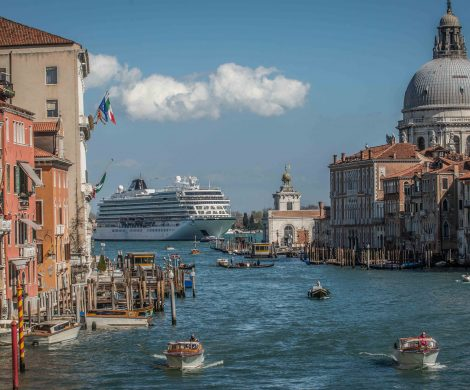Viking wird sechs neue Schiffe bei der italienischen Werft Fincantieri bauen lassen. Die sechs Neubauten sollen bis 2027 in Dienst gestellt werden. Viking wird dann über eine Flotte von insgesamt sechzehn Schiffen verfügen.