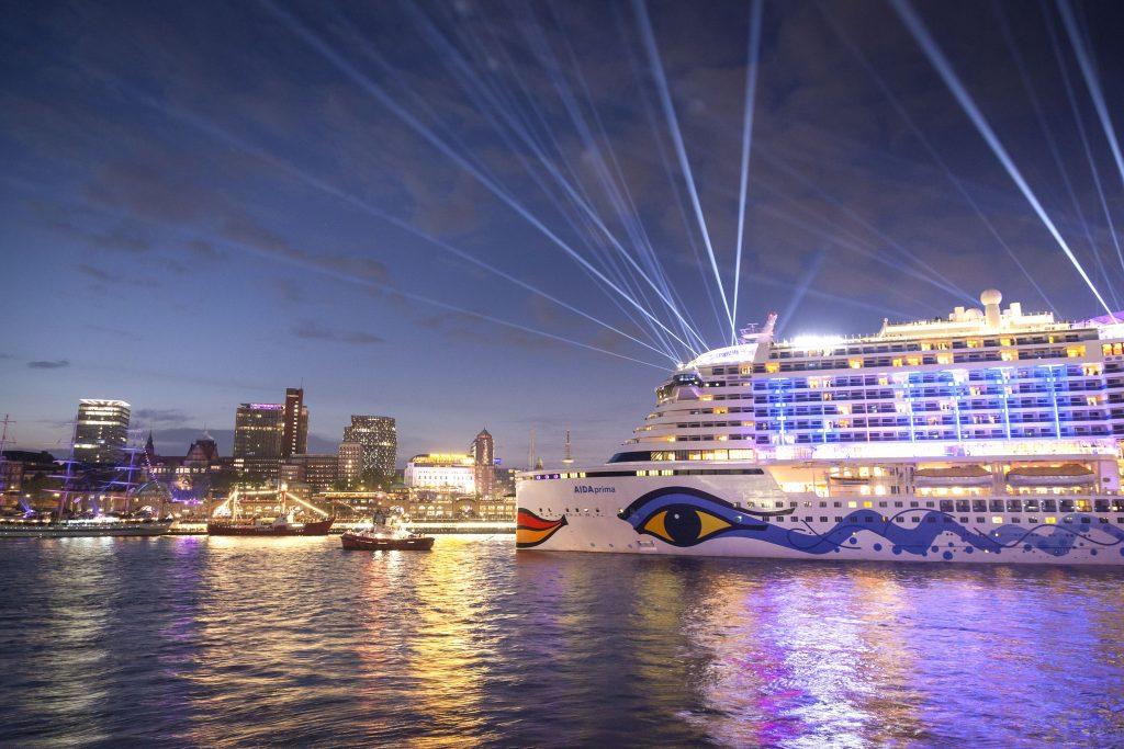 Bereits zum 7. Mal engagiert sich AIDA als Sponsor beim Hafengeburtstag Hamburg. In diesem Jahr können sich Besucher vom 10. bis 13. Mai 2018 über den Besuch von drei AIDA Kreuzfahrtschiffen freuen.