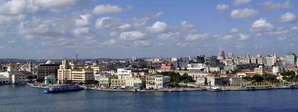 Um dem erwarteten Ansturm US-amerikanischer Kreuzfahrtgäste gerecht zu werden, baut die kubanische Hauptstadt Havanna ihr Kreuzfahrtterminal aus. Im Jahr 2024 soll das Terminal dreimal so viele Schiffe abfertigen können wie jetzt.