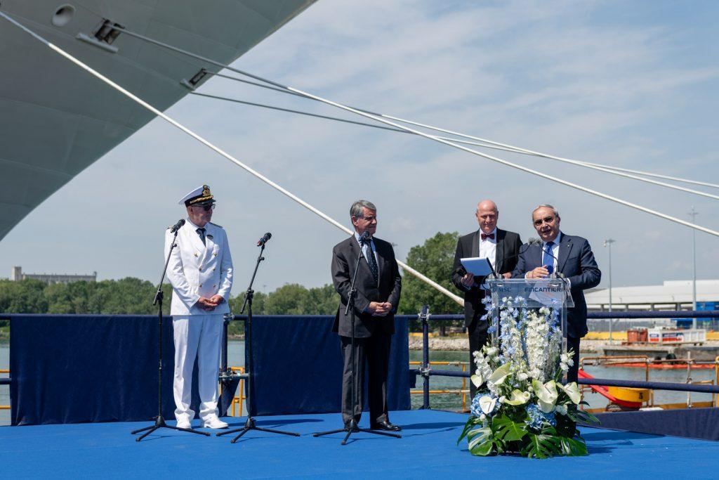 Das neue Flaggschiff MSC Seaview ist auf der Fincantieri-Werft in Monfalcone, Italien offiziell an MSC Cruises übergeben worden. Die feierliche Übergabe erfolgte in Anwesenheit von Gianluigi Aponte, dem Gründer und Vorstandsvorsitzenden der MSC Group.