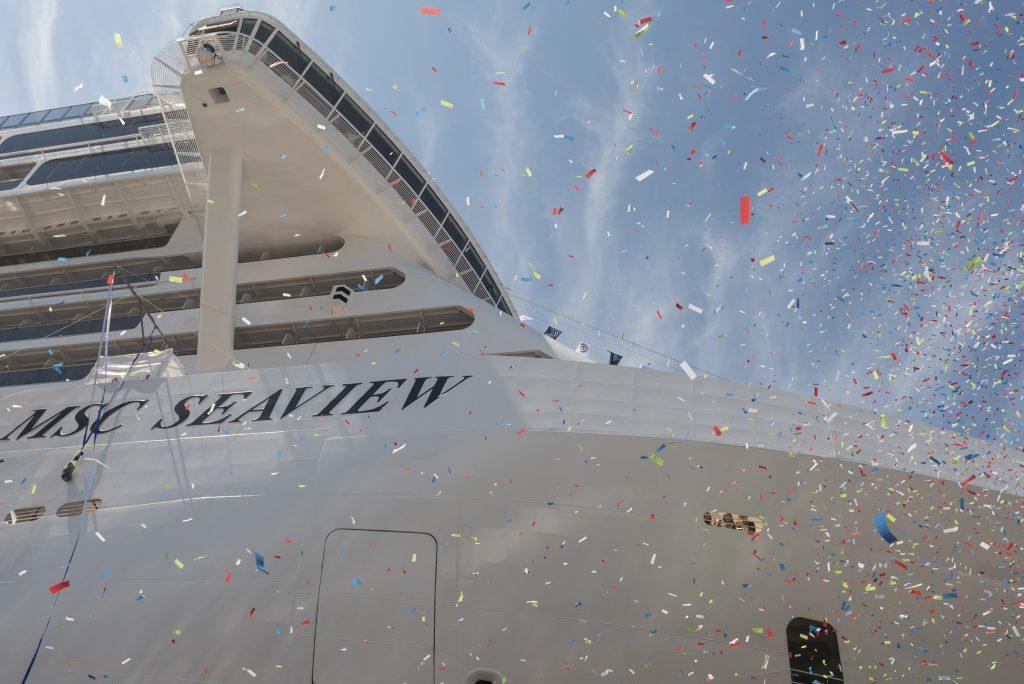 Mit der MSC Seaview ist das neueste Mitglied der MSC Kreuzfahrtflotte in Genua von Leinwandlegende Sophia Loren getauft worden.
