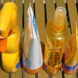 Als erster US-Bundesstaat verabschiedete Hawaii ein Gesetz, das den Verkauf von Sonnencreme mit schädlichen Chemikalien darin verbietet.
