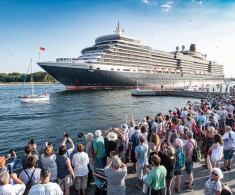 Der Cunard Eventsommer ist in voller Fahrt: Nach dem erfolgreichen THE QUEENS DAY am 17. August 2018 in Kiel haben zehntausende Menschen in Travemünde den Besuch der Queen Elizabeth beim zweiten THE QUEENS DAY 2018 gefeiert.