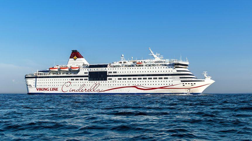 Ein Betrunkener hat auf der MS Cinderella von Viking Lines versucht Feuer zu legen, nachdem er von der Crew zwangsweise in eine Arrestzelle gebracht wurde.