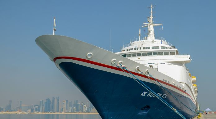 Katar will die Kreuzfahrt ausbauen und bis zum Jahr 2020 mehr als 200.000 Passagiere in der Hauptstadt Doha empfangen, in dieser Saison kommen 43 Schiffe
