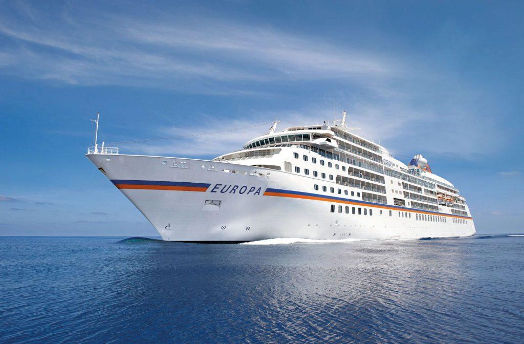 EUROPA 2 und EUROPA von Hapag-Lloyd Cruises bekamen im Berlitz Cruise Guide ein weiteres Mal als einzige Kreuzfahrtschiffe die Bestnote Fünf-Sterne-Plus