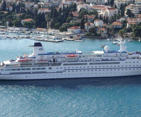 Musikalische Highlights verspricht die Kurzkreuzfahrt von FTI Cruises im Juni 2019 von Bremerhaven nach Seebrügge mit Musik des legendären Ratpack.