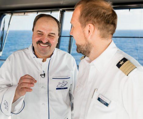 Sternekoch Johann Lafer wird kulinarischer Botschafter der Mein Schiff Herz von TUI Cruises. Erstmalig ist er bei der Premierenfahrt dabei.