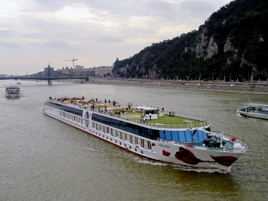 """Die A-ROSA Flussschiff GmbH hat den ersten Platz beim Deutschen Fairness-Preis in der Kategorie """"Anbieter Flusskreuzfahrten"""" belegt."""