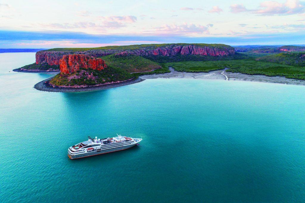 Ponant muss an den neuseeländischen Staat eine Strafe zahlen, weil das Schiff L`Austral eine Havarie in der Subantarktis hatte.