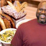 """Shaq Attack bringt jetzt """"Big Chicken"""" auf ein Kreuzfahrtschiff und wird auf der Carnival Radiance mit einem Outlet seiner Restaurants vertreten sein."""