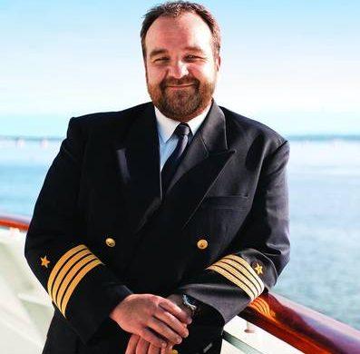 Hapag-Lloyd Cruises kündigt zwei Kapitänswechsel auf den Brücken seiner Schiffe MS EUROPA 2, sowie des neuen Expeditionsschiffes HANSEATIC inspiration an
