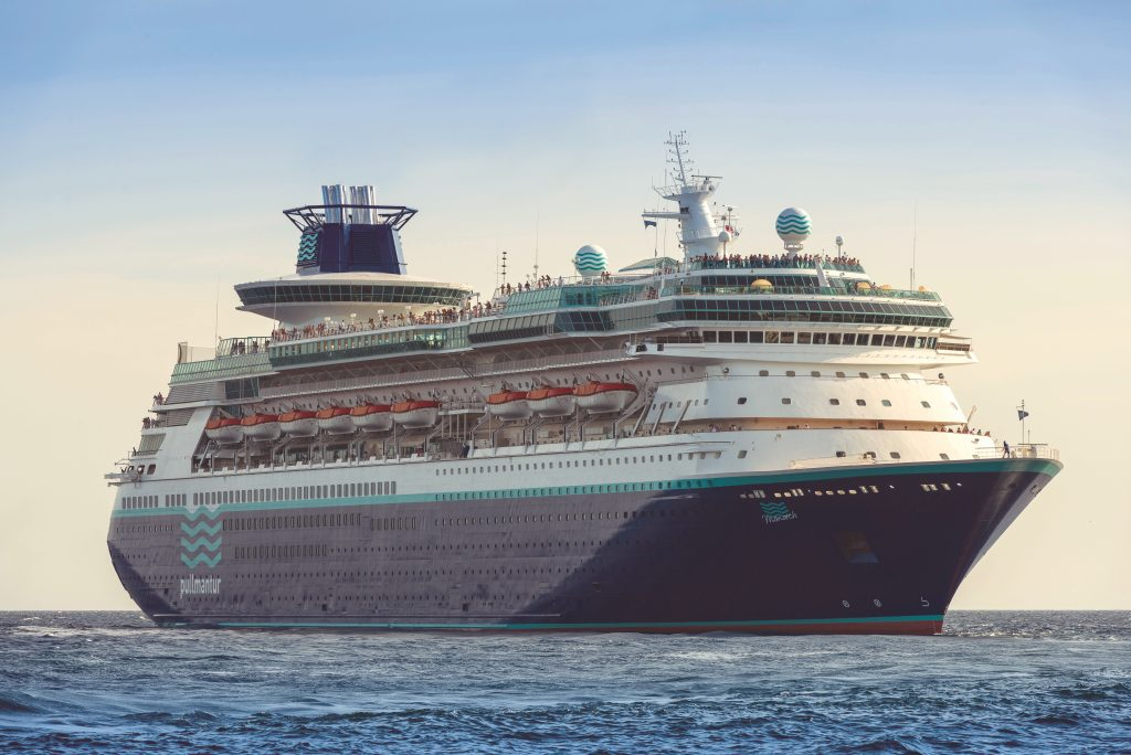 Pullmantur Cruises hat seinen Programmkatalog für die Saison 2019/20 herausgebracht, mit Beach & Cruise-Kombis, die Seereise und Badeurlaub verknüpfen.