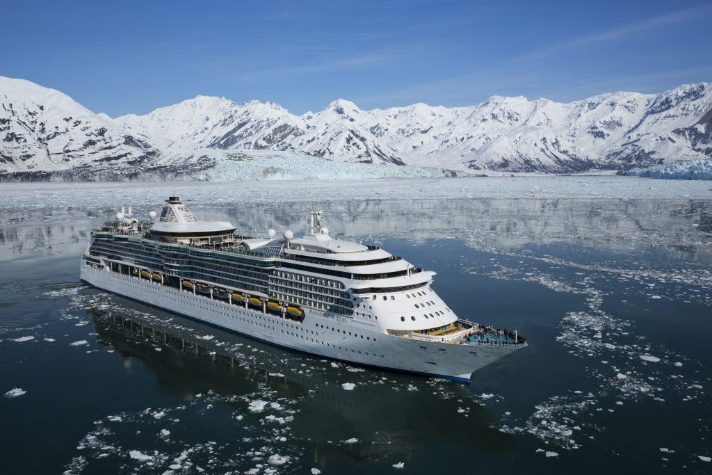 Royal Caribbean International wird während der Sommersaison 2020 mit drei Schiffen in der unberührten Natur von Alaska fahren, darunter Ovation of the Seas