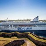 Die zwischen Helsinki und Stockholm verkehrenden Fährschiffe Silja Serenade und Silja Symphony werden füreinen zweistelligen Millionenbetrag renoviert.