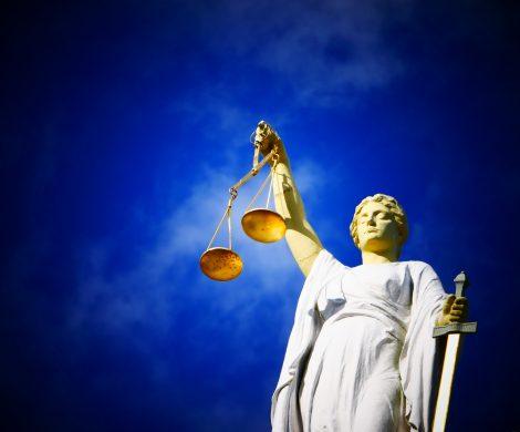 Ein Gericht in Marseille hat den Kapitän der Azura der britischen Reederei P&O Cruises zu 100.000 Euro Strafe wegen Luftverschmutzung verurteilt.
