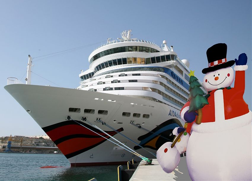 Weihnachten bei Aida: Auf den Schiffen wird mit einem bunten Programm gefeiert. Auf den Weihnachtsreisen erleben die Gäste ein besonderes Weihnachtsfest.