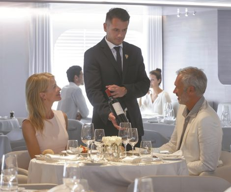 Vom 13. bis 22. April 2019 bietet die französische Reederei PONANT ihren Gästen eine exklusive Weinkreuzfahrt an Bord der L'Austral.