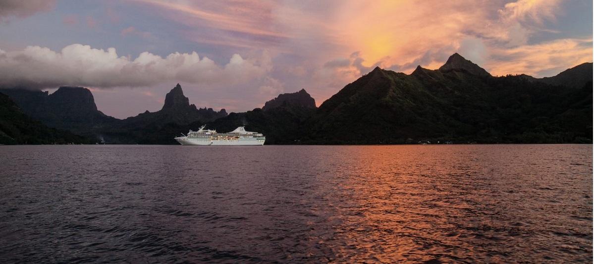 Paul Gauguin Cruises bietet für alle Reisen im Jahr 2020 Ermäßigungen von 50 Prozent (!) gegenüber den Standardtarifen für die Kreuzfahrt an.