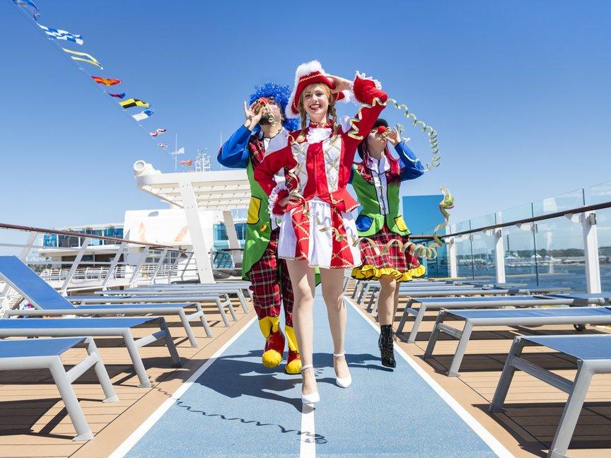TUI Cruises hat nach der Taufhymne erneut ein Lied für ein Event schreiben lassen:Von der Kölner Band Klüngelköpp für dan Karneval auf dem Jeckliner
