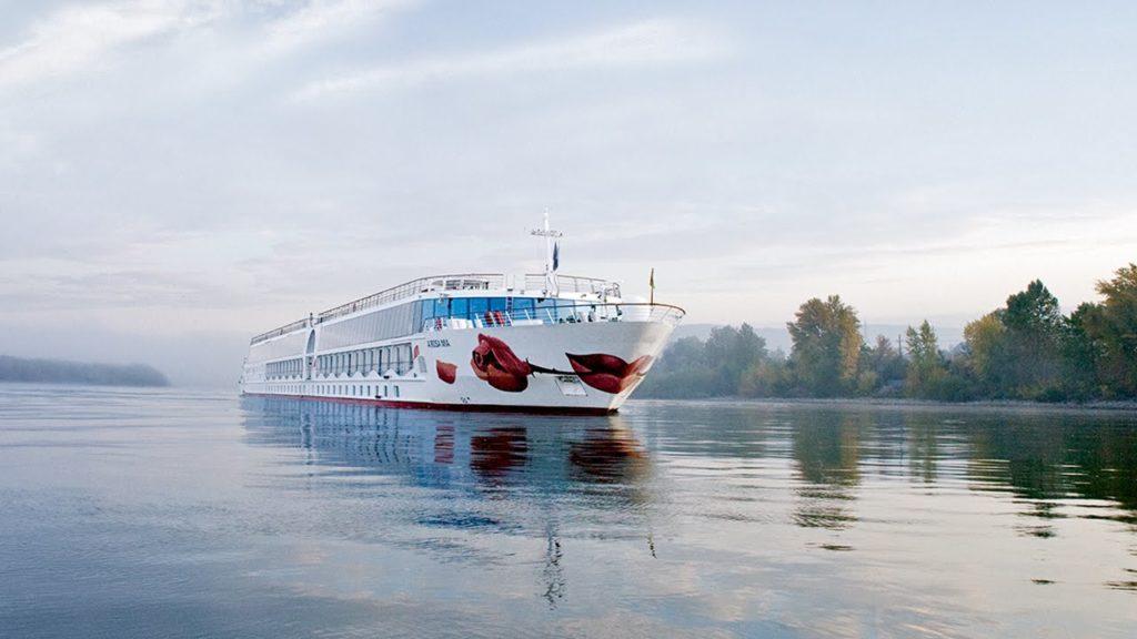 Die Flussschiffreederei Arosa startet eine Modernisierung ihrer Flotte, in den nächsten Jahren sollen sechs Flusskreuzer ein neues Design erhalten