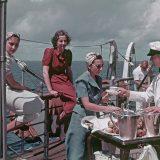Buchrezension von Franz Grasser Mit schiff und Farbfilm um die Welt, eine einzigartige Fotodokumentation der Kreuzfahrt in den späten 1930-er Jahren